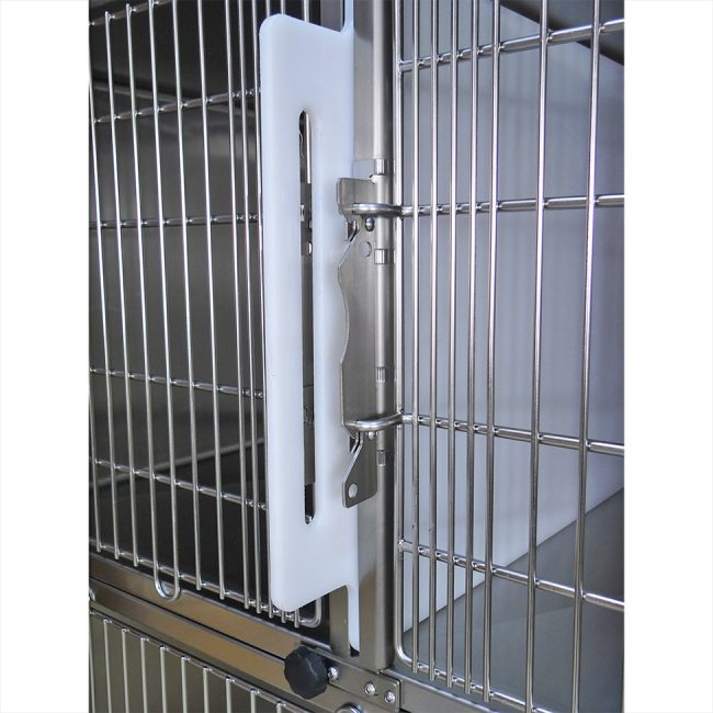 Veterinary stainless steel cage bank door detail