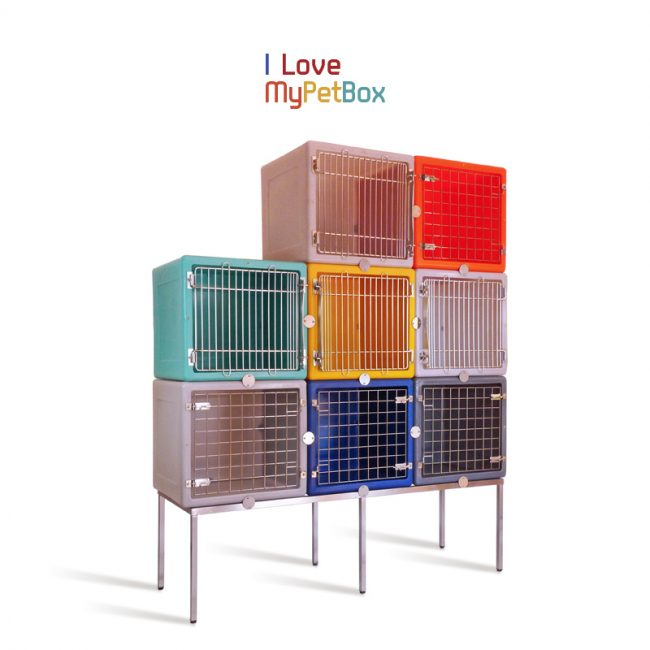 ILoveMyPetBox - Base with 6 feet for 3 cages side by side - shown with cages